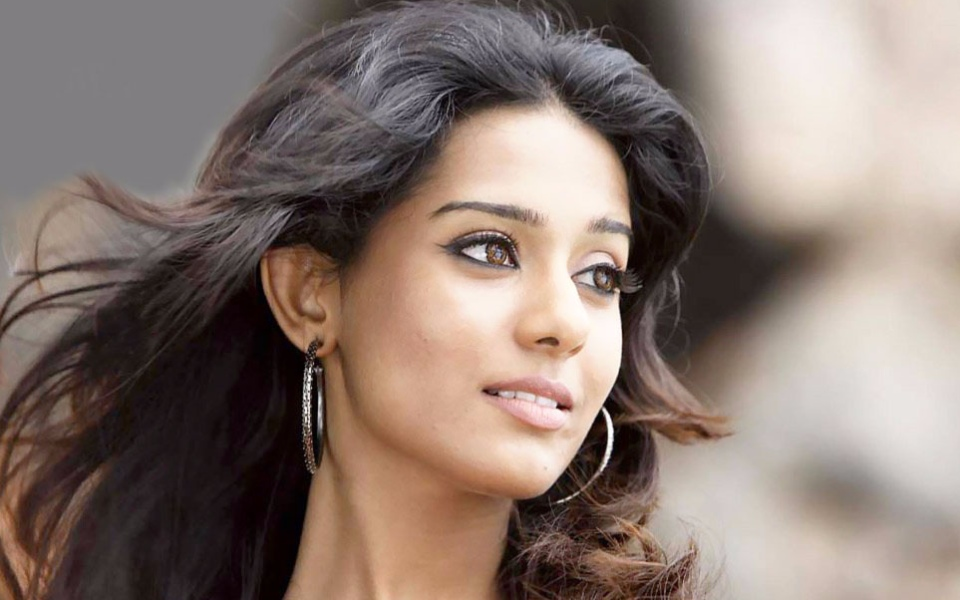 Amrita Rao | 10 Beautiful Indian Actresses Worthy of Hollywood | InstantHub
