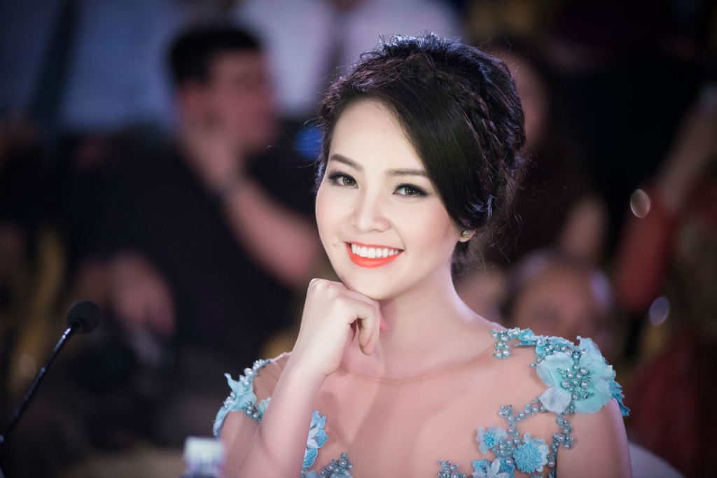 Top Vietnamese Actress Thuy - News Update